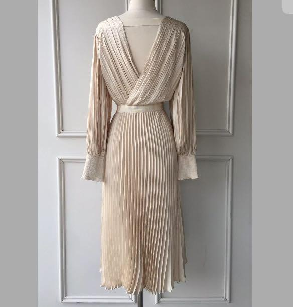 FREE Shipping NWT Country Road pleated V-neck dress bone rose gold pink sz 14.16