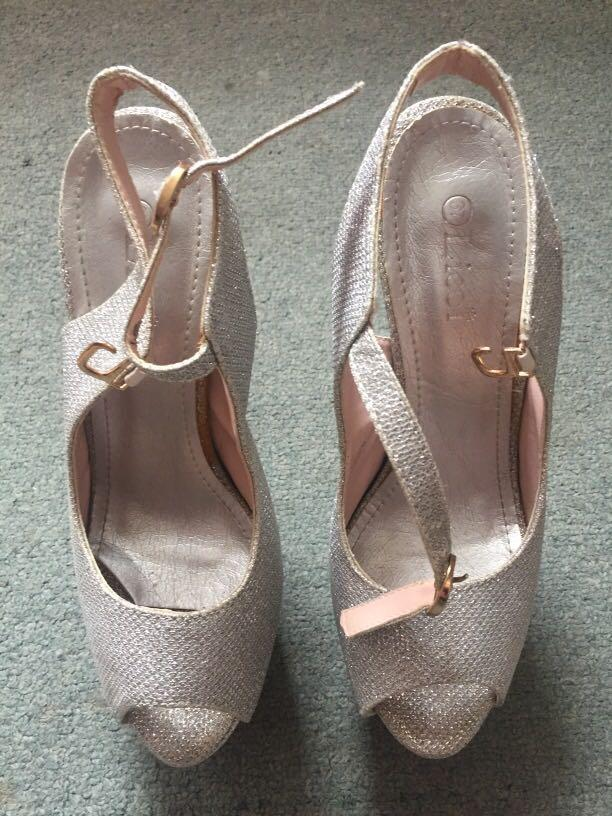 high heels preloved #CarousellBelanja