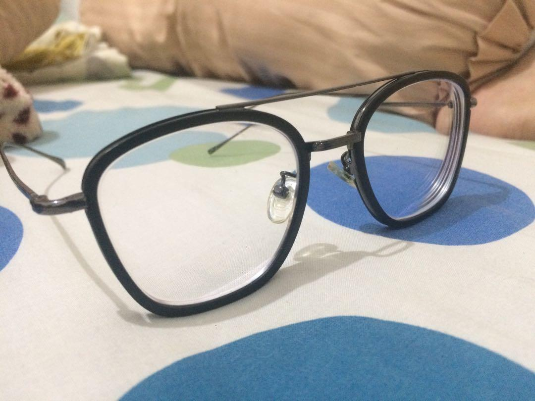 Kacamata illustro