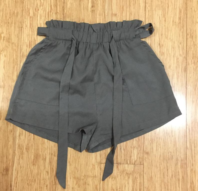 Khaki green paperbag shorts (brand - Grace and Co, size 8)