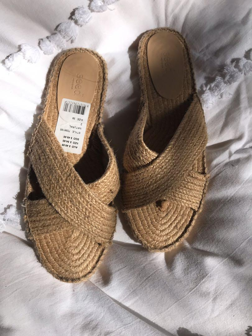 Seed sandals 39
