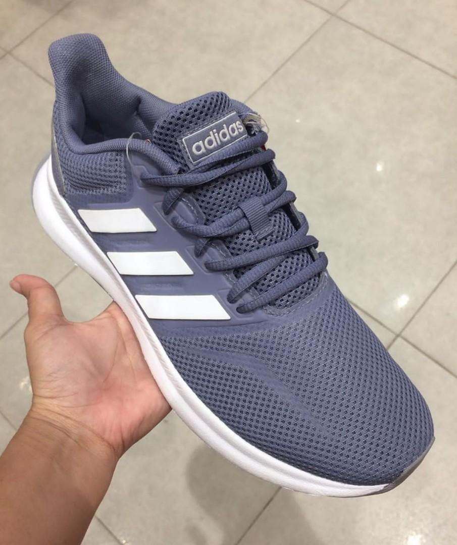 Sepatu Adidas runfalcon, Fesyen Wanita
