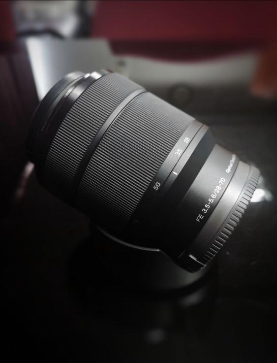sony 28-70mm f3.5-5.6 fe oss lens