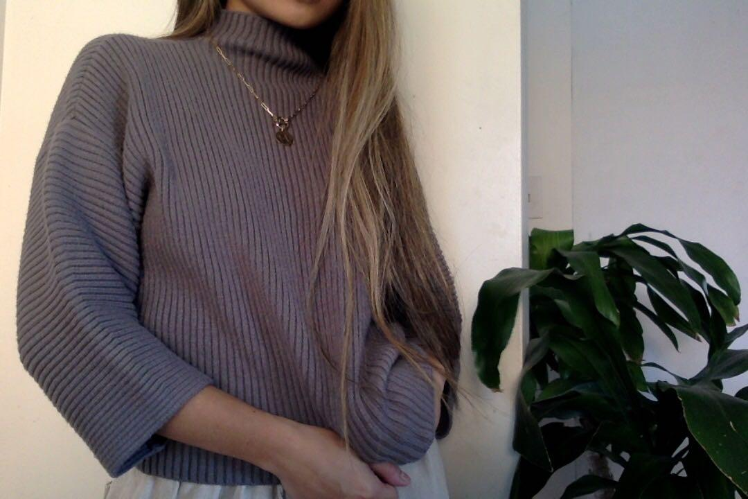 URBAN OUTFITTERS RIBBED MOCK NECK
