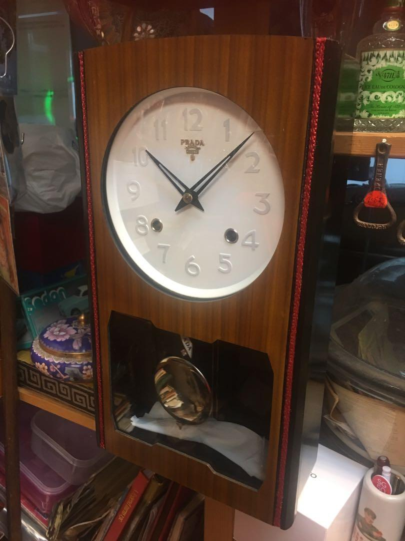 Vintage 2 hole winding wall clock ( Prada )