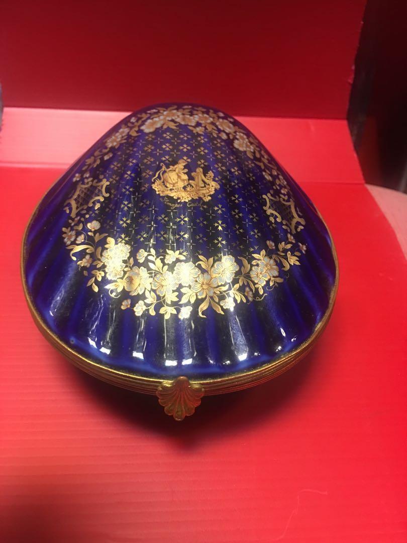 Vintage blue porcelain box ( Limoges Castel ) France