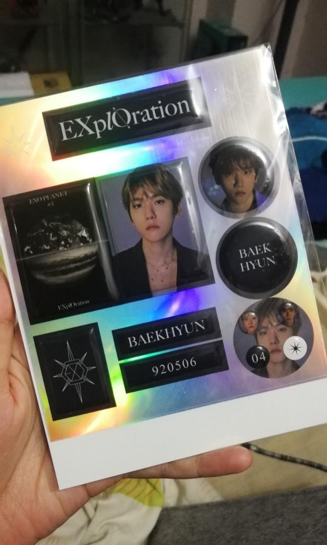 (WTS) Baekhyun Epoxy sticker with hologram photocard