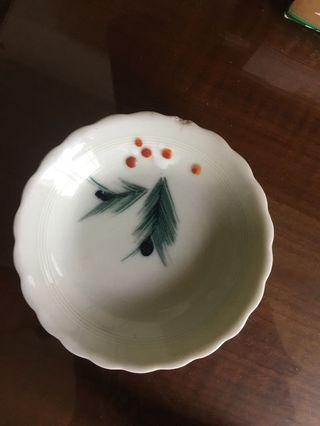 古董醬油碟