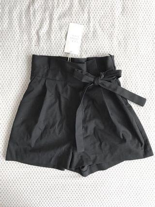 ZARA • NWT Bermuda shorts (navy blue)