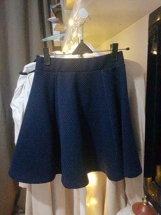 H&M navy skirt