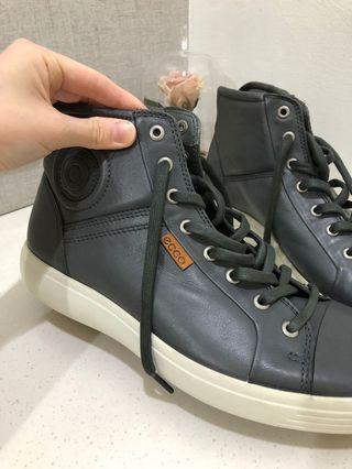 NEW! ECCO Gray Sneakers