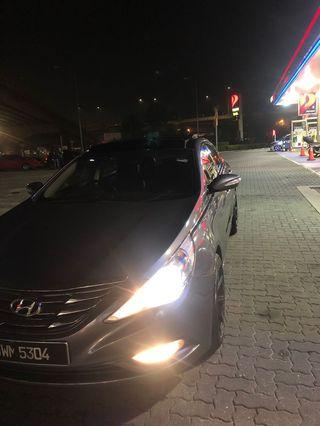 Hyundai Sonata premium spec with full panorama top