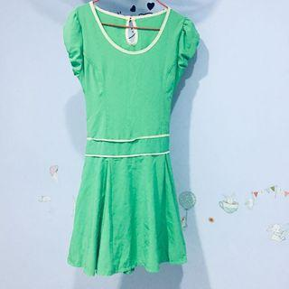 Apple green dress with puff sleeve