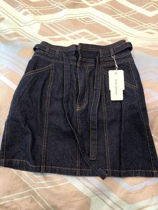 日系品牌短裙全新