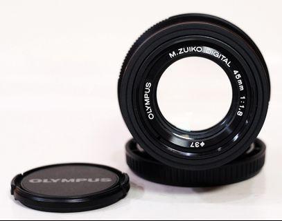 Olympus 45mm F1.8 Black Good Condition Lengkap Box