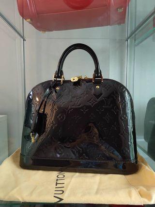 Louis Vuitton alma vernis mm authentic