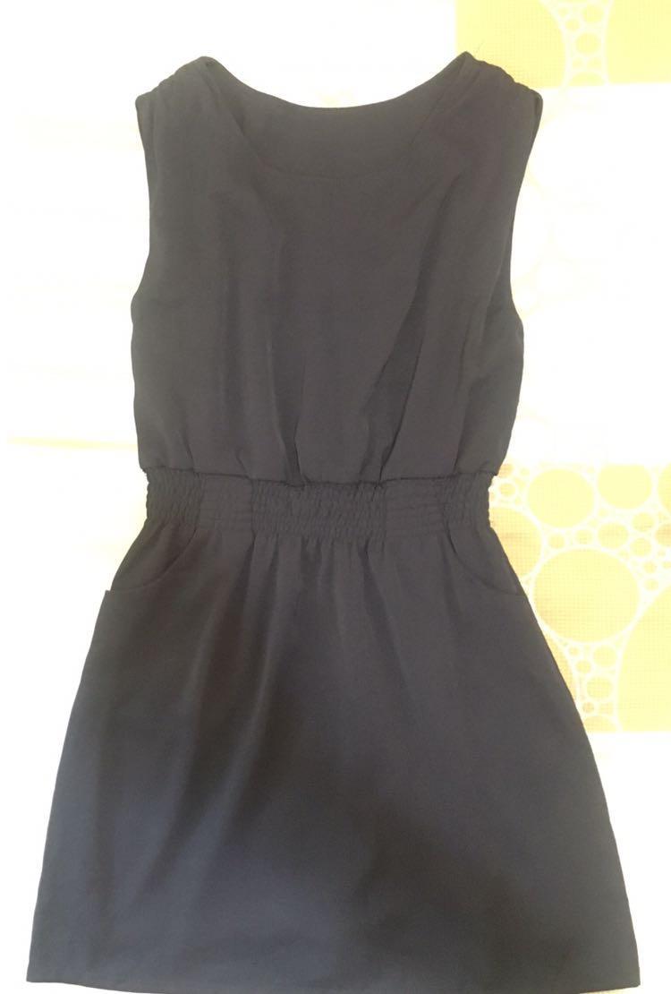 深藍色連身裙