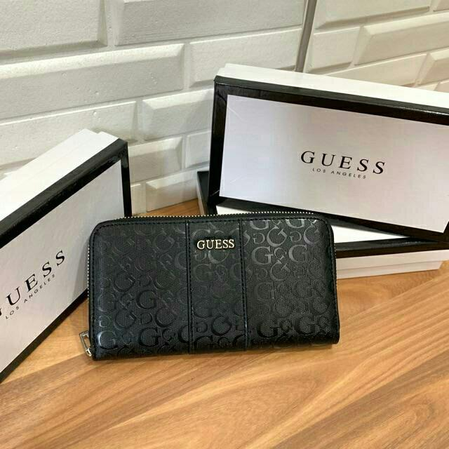Guess store 100%  Wallet hologram