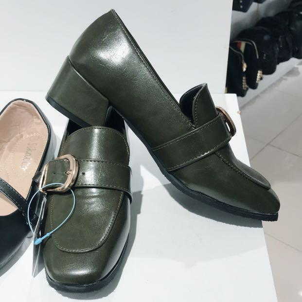 Impor shoes/sepatu hijau army