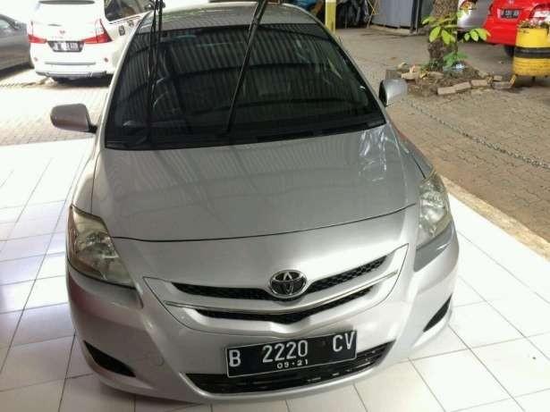 Mobil pilihan keluarga Toyota Vios Limo 2012 paling irit