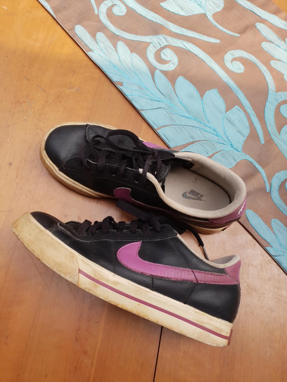 Nike Sport Shoes Original 100% Beli di Counter