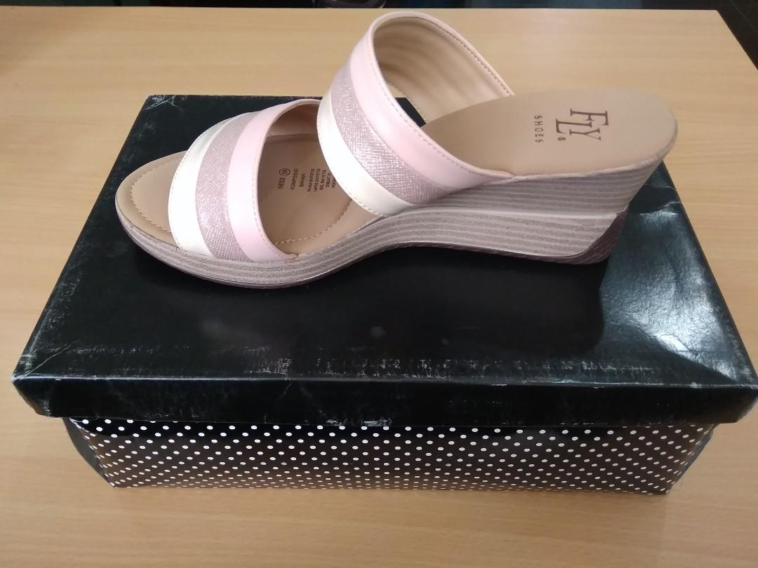 Wedges fly shoes
