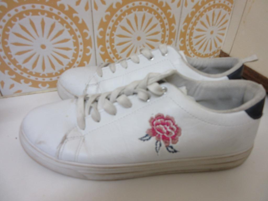 White Rose Embroidered Sneakers #swapau