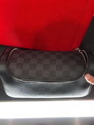 Men Louis VUITTION travel bag