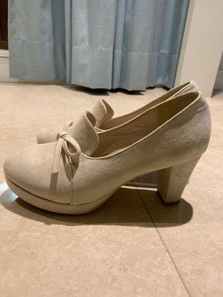 九成新majesticlegon麂皮跟鞋