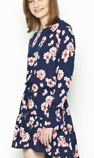 Short floral dress in navy and pink BNWT