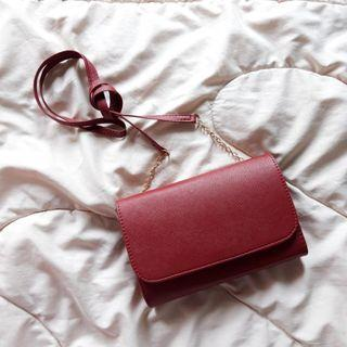 hnm red sling bag