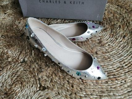 Charles & Keith flower sequins pointed flat shoes