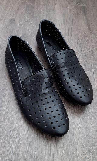Matiko Leather Loafers (Size 7)