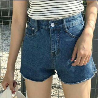 現貨✨側邊拉鍊牛仔短褲