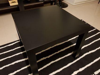 IKEA 桌子