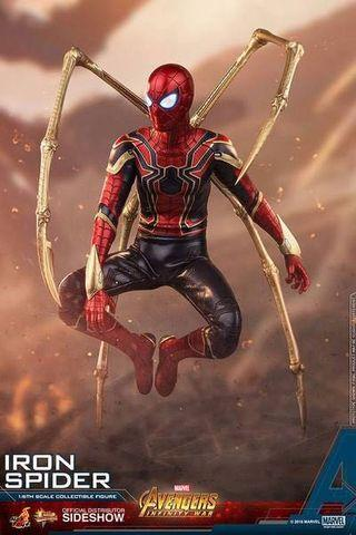 Hot Toys Iron Spider Man