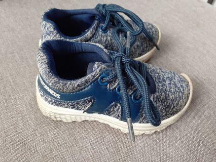 Sepatu bayi 9-36bulan 3pcs. No nego. Fix price