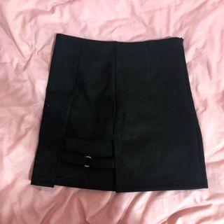 短裙 窄裙 A字裙 迷你裙 高腰 黑色 基本款 素面 個性 narrow skirt