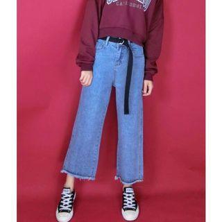 小隻女可駕馭的牛仔直筒寬褲
