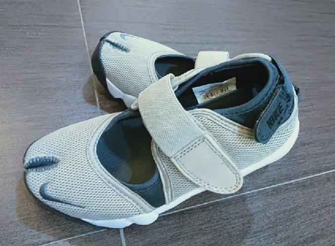 2趾大童女鞋      鞋寸:21