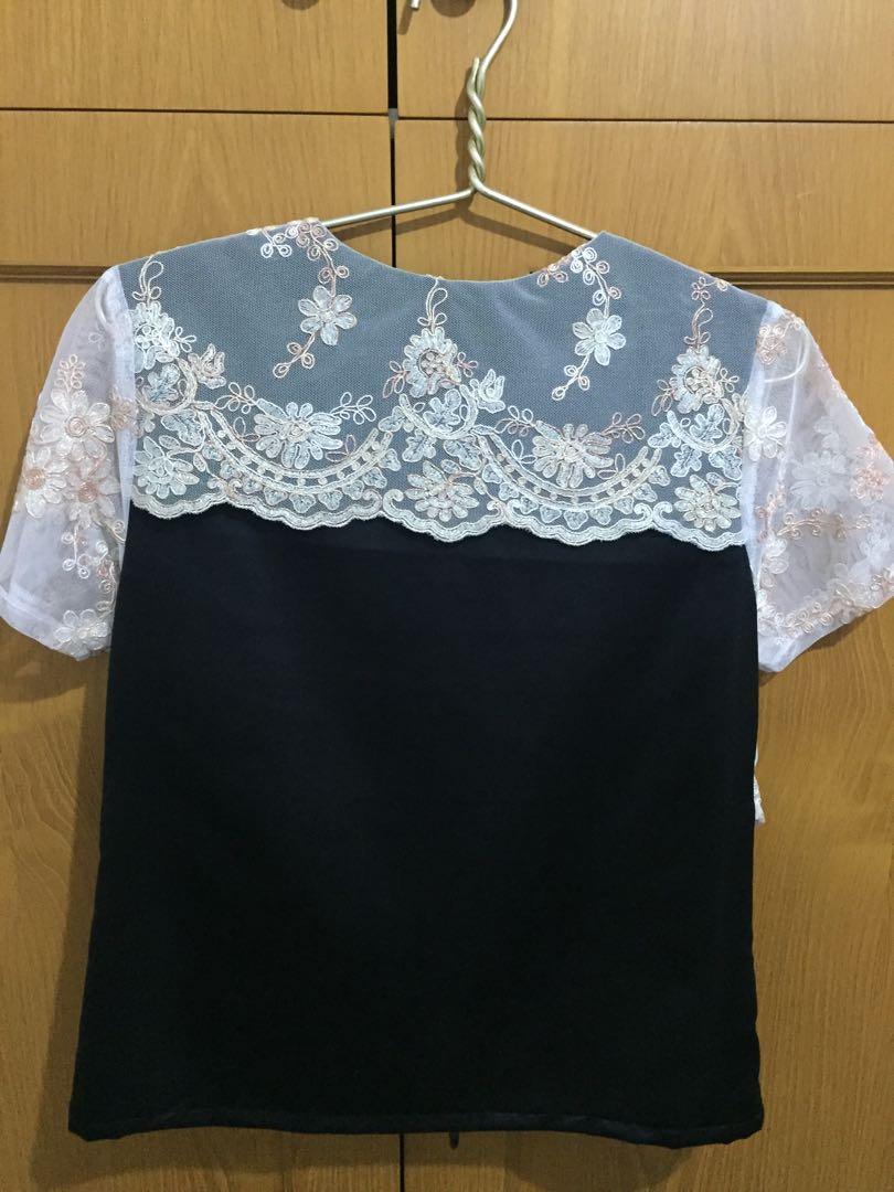 Black blouse w/ white detail