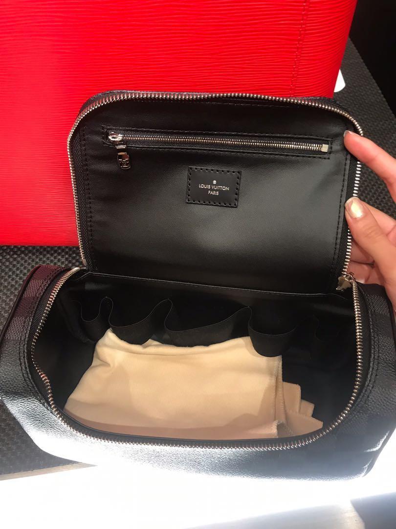 Men Louis VUITTION travel bag