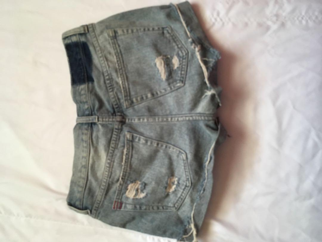 Women's Urban Outfitters BDG Denim Shorts (Size 24)