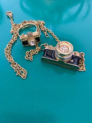 相機款項鍊和戒指