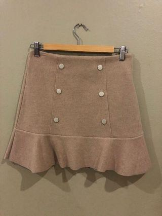 Size M: wool material skirt