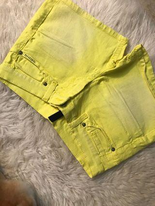 Benetton 黃色牛仔短褲