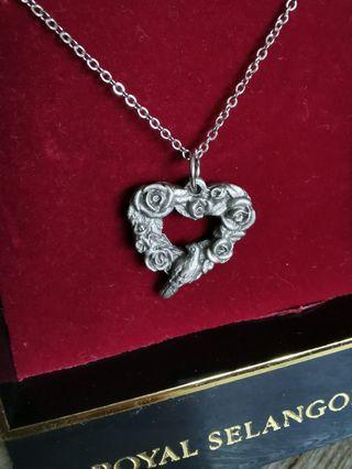 Royal selangor pewter necklace