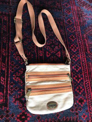 Fossil sling bag reduced price