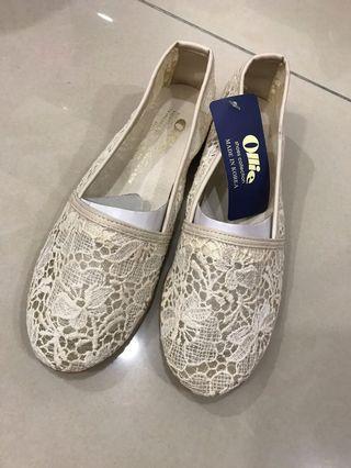 全新-正韓🇰🇷Ollie 蕾絲包鞋23