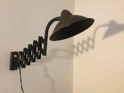 古董伸縮剪刀燈